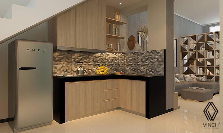 Kitchen:  Dapur built in by Vinch Interior