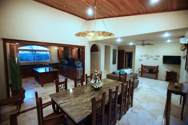 Villa Coquí Akumal: Comedor de estilo  por DHI Arquitectos y Constructores de la Riviera Maya