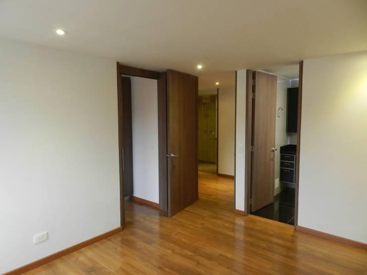 Remodelación Total Apartamento Bogotá: Habitaciones de estilo  por Obras Son Amores