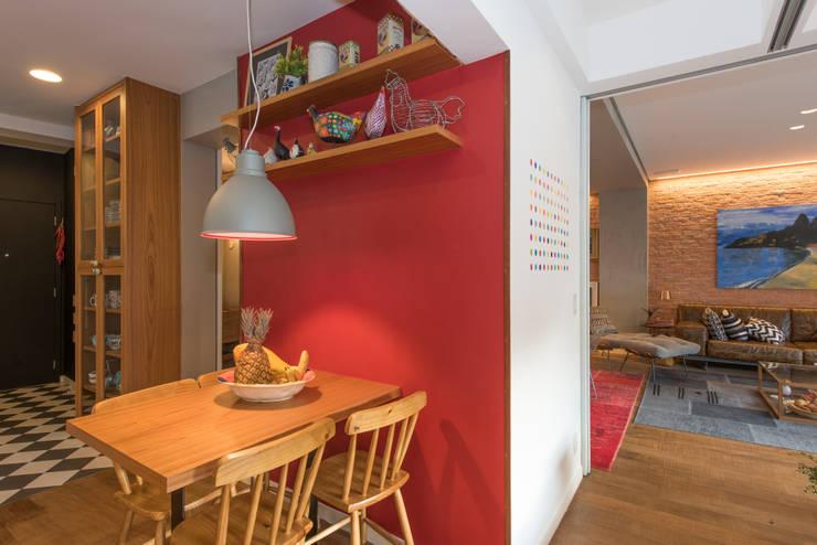 Apartamento Gávea: Salas de jantar modernas por Espaço Tania Chueke