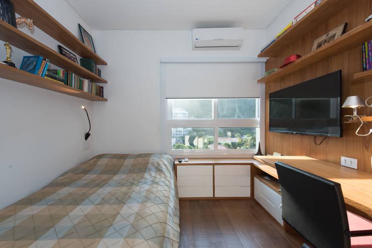 Dormitorios de estilo moderno de Espaço Tania Chueke