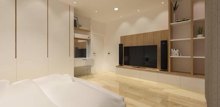 Pluit Residence:  Kamar Tidur by KERA Design Studio