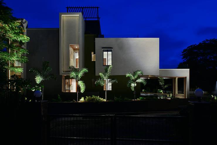 Divya Drashti:  Houses by SM Studio