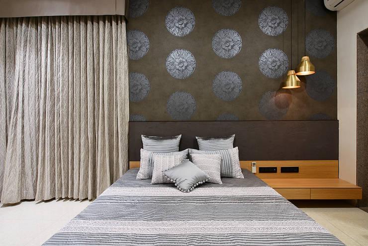 Divya Drashti:  Bedroom by SM Studio