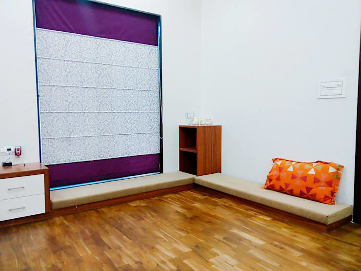 Bunglow Interiors at Warje, Pune:  Bedroom by Finch Architects
