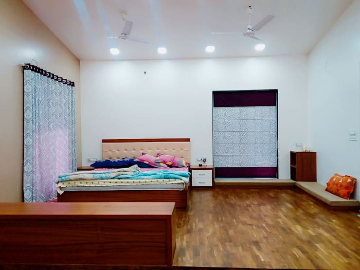 Bunglow at Warje, Pune:  Bedroom by Finch Architects