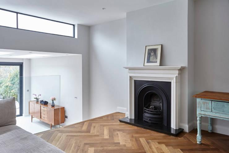 Salas de estilo  por Gr8 Interiors