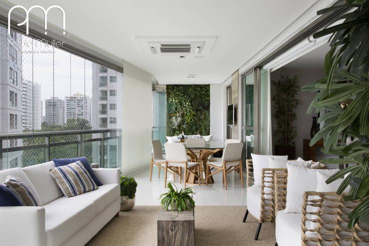 Apartamento JF  Barra da Tijuca Rio de Janeiro: Terraços  por Paula Müller Arquitetura e Design de Interiores