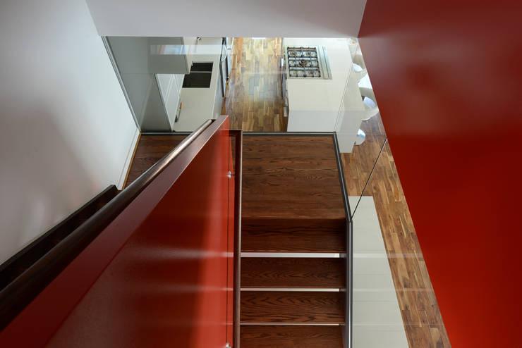 Koridor dan lorong by ARCHI-TEXTUAL, PLLC