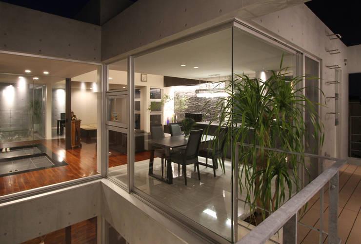 K-C house: アーキデザインワークス一級建築士事務所が手掛けたダイニングです。