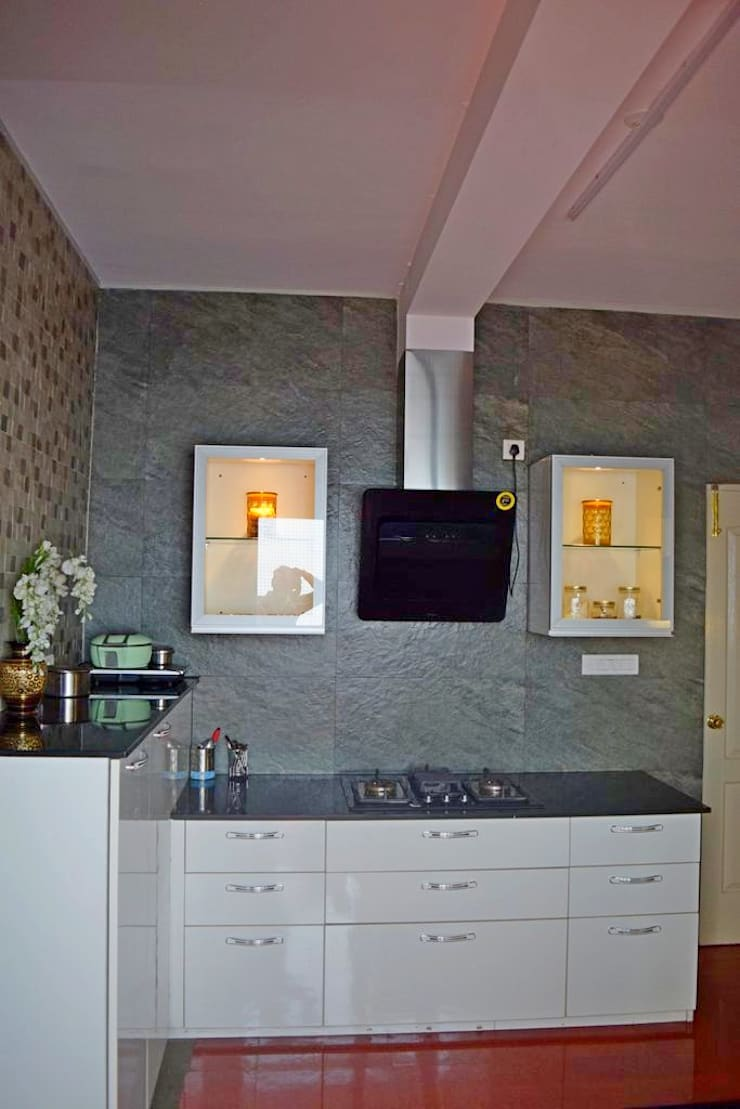 L&T South city, 3 BHK—Mr. Sundaresh:  Kitchen by DECOR DREAMS
