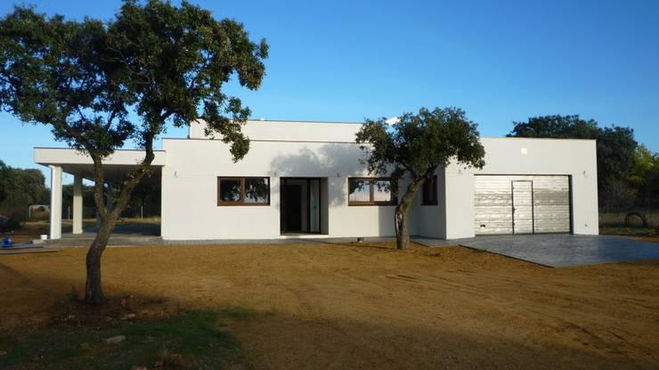 CASA MODELO CAVA EN CUIDAD REAL: Casas de estilo  de MODULAR HOME