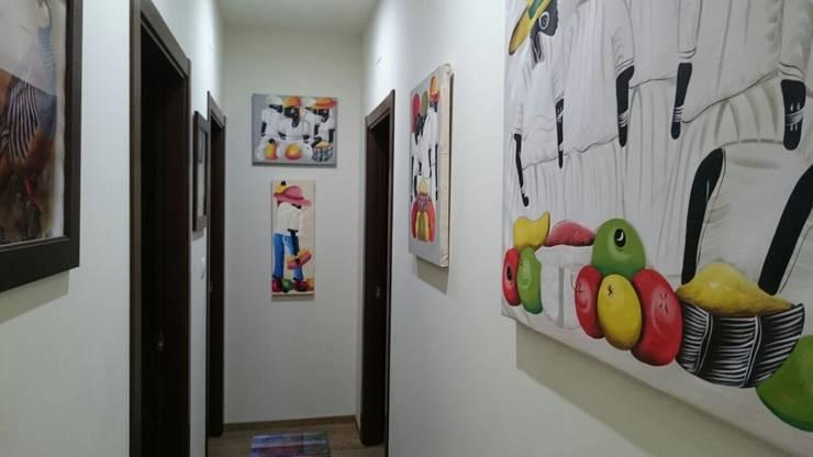 CASA DE DISEÑO PERSONALIZADA EN LA SERENA (BADAJOZ): Paredes de estilo  de MODULAR HOME