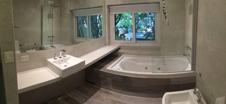 Baño Principal. : Baños de estilo  por NG Estudio,