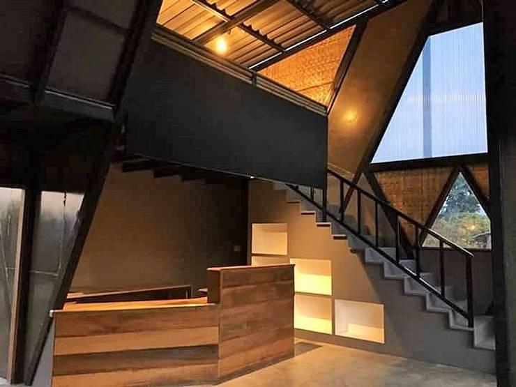 Bud Cafe':   by ERE Design Studio Co.,Ltd.