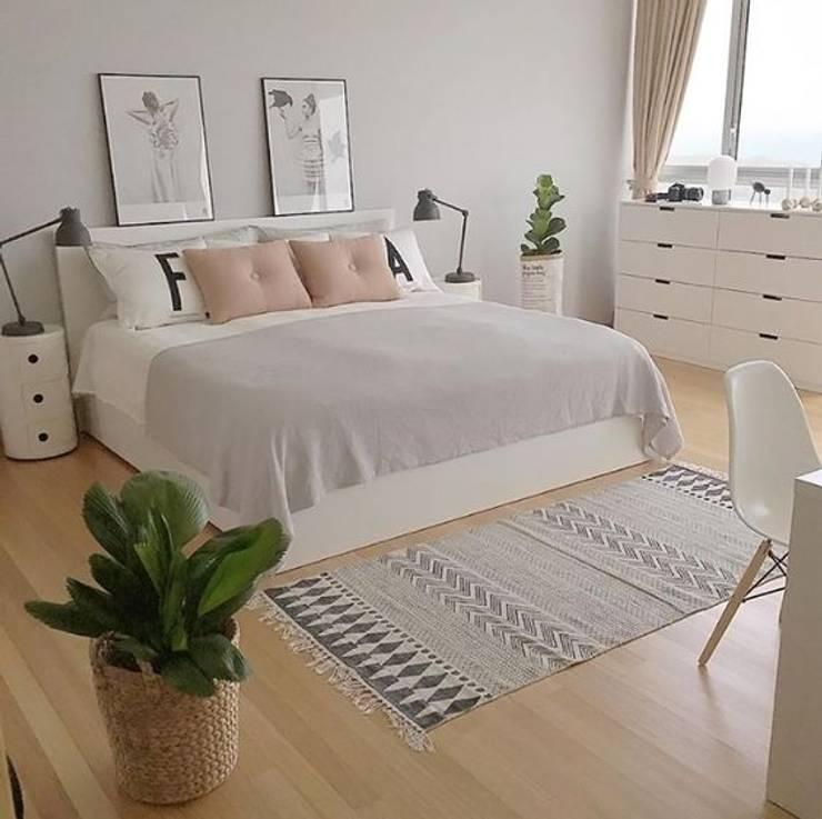 Inspiración para dormitorio: Dormitorios de estilo moderno por Vero Capotosto
