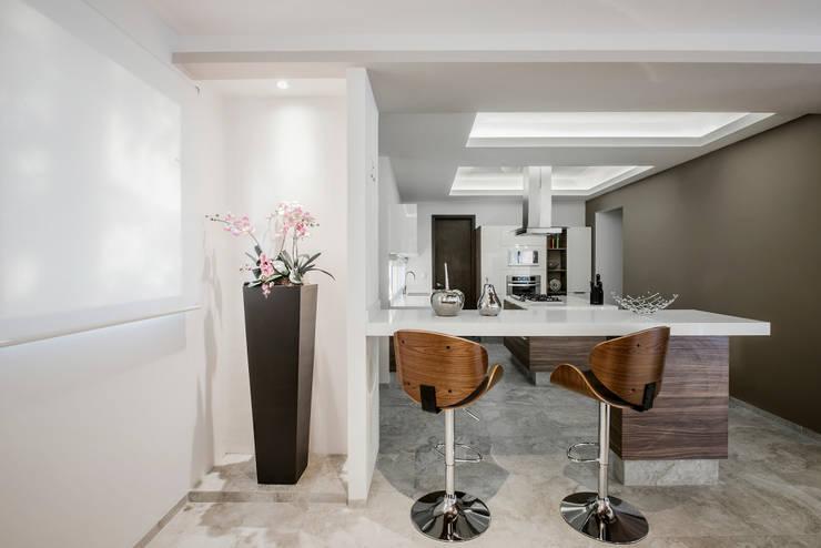 Cocinas equipadas de estilo  por Constructora e Inmobiliaria Catarsis