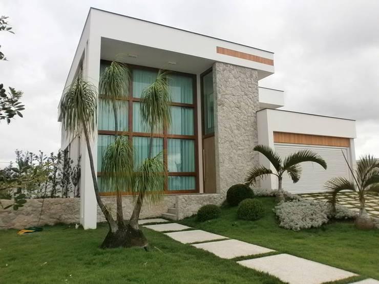 獨棟房 by Ronaldo Linhares Arquitetura e Arte