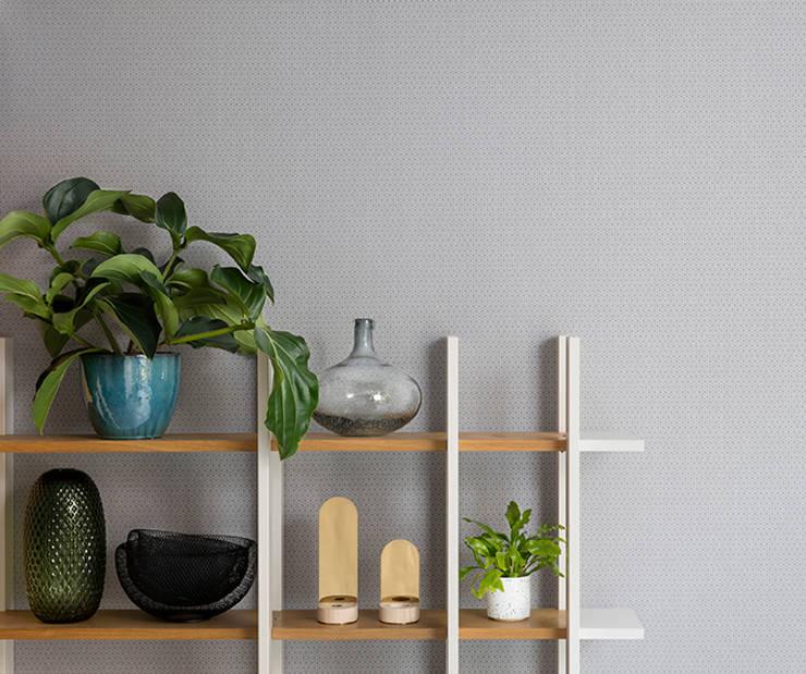 Gentle Groove Cubix: Paredes y pisos de estilo clásico por BIANELLA