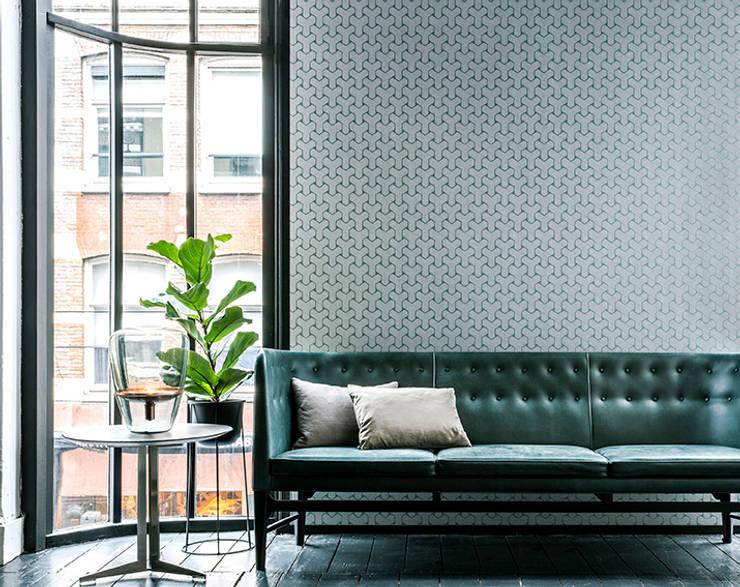 Gentle Groove Ypsilon: Paredes y pisos de estilo clásico por BIANELLA