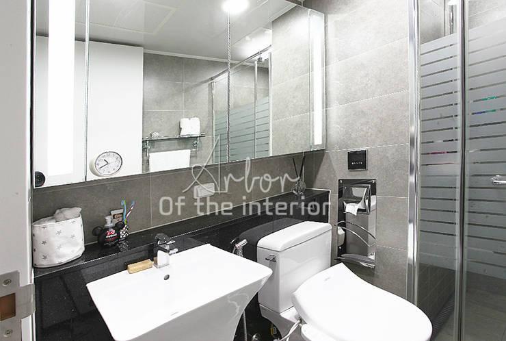 Moderne Badezimmer von 디자인 아버 Modern
