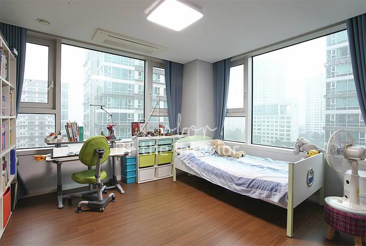 Moderne Kinderzimmer von 디자인 아버 Modern