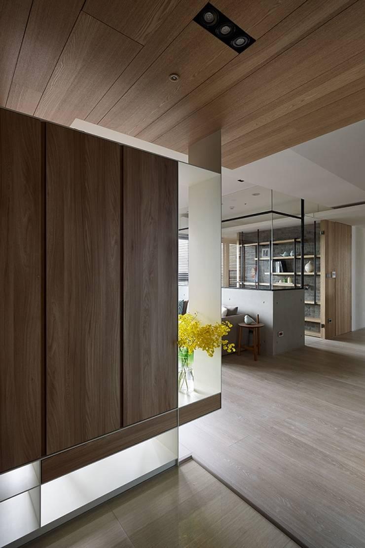 [HOME] Arching Design – Hue Yu Community: KD Panels의  거실