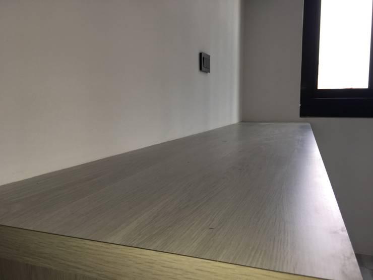 美式工業風輕裝潢:  書房/辦公室 by 登品空間規劃工程有限公司