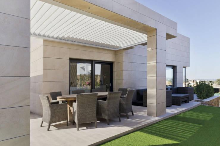 庭院遮陽棚 by Saxun