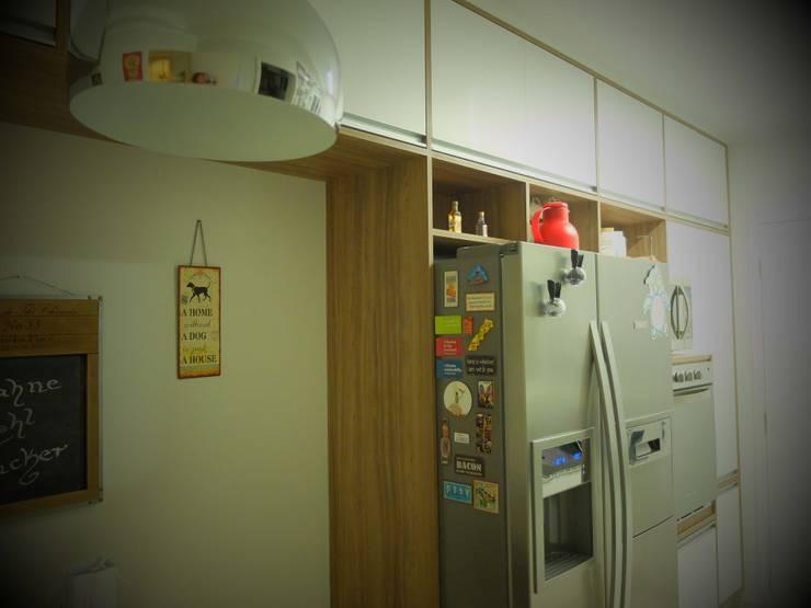 مطبخ ذو قطع مدمجة تنفيذ tsmarquiteto