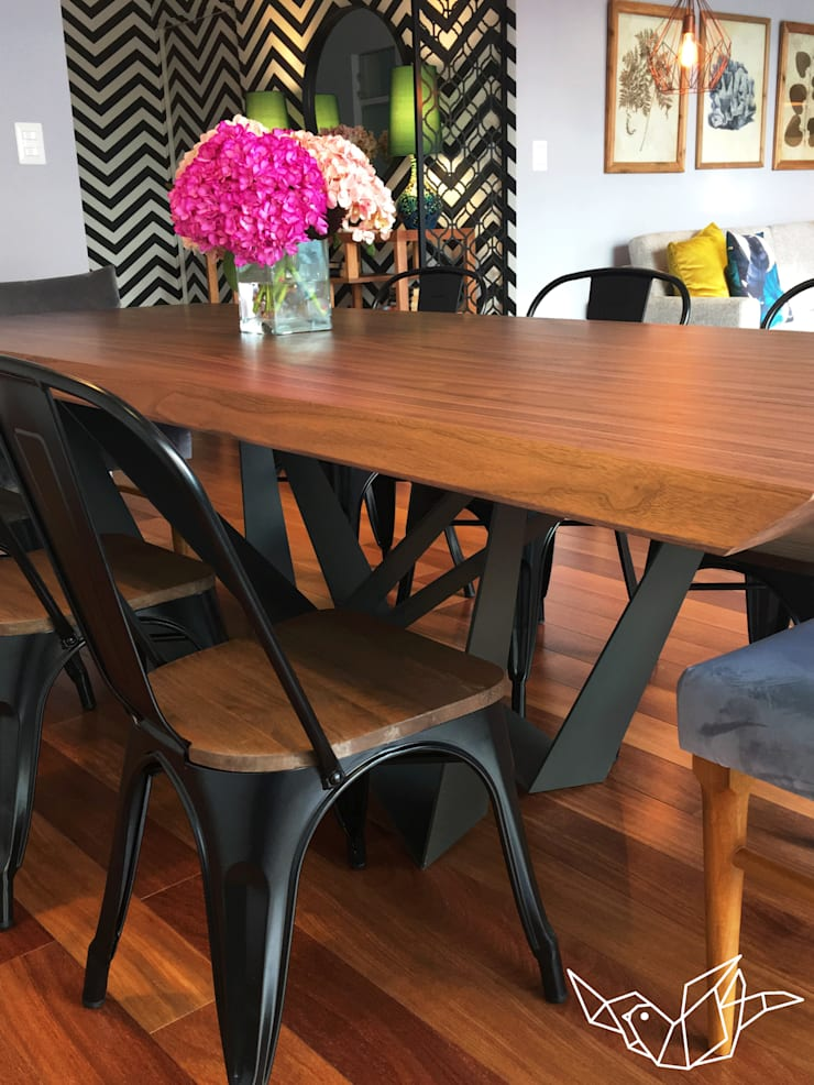 MODERNO – ECLÉCTICO: Comedor de estilo  por LOVE IS ALL