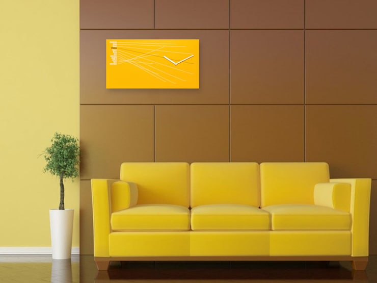 Progetti Timeline Wall Clock Yellow: modern Living room by Just For Clocks