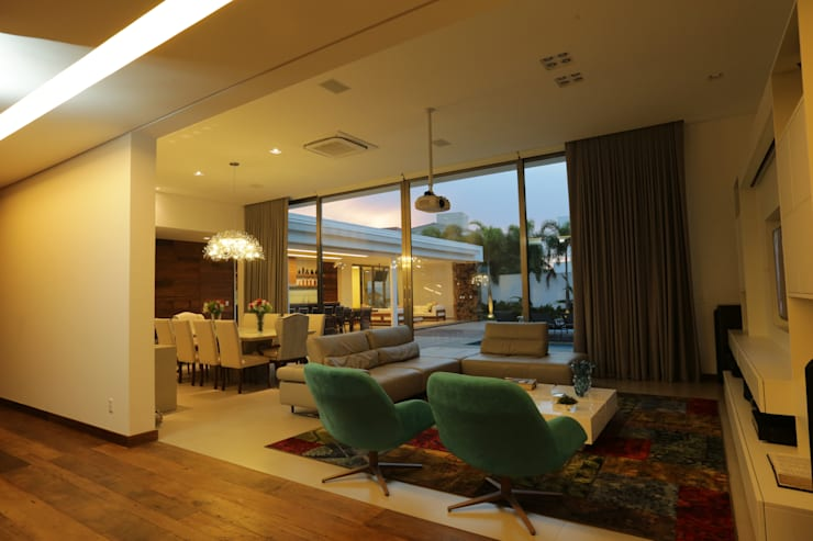 Projekty,  Domy zaprojektowane przez R|7 Mila Ricetti Arquitetos Associados