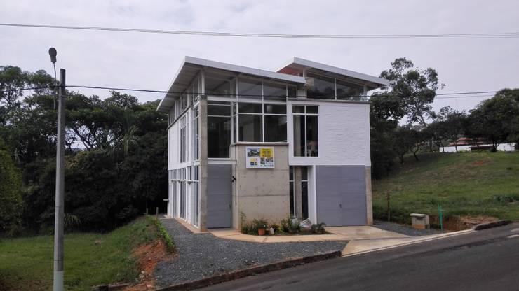 Vivienda Campestre Sostenible 1 - 2016: Casas de estilo minimalista por PILO Arquitectura