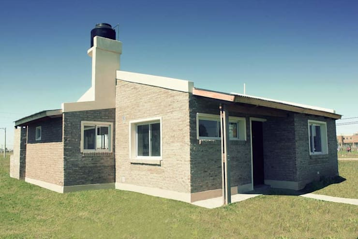 Punta Chacra Roldan: Casas de estilo  por Arq. Gustavo Piazza & Asociados