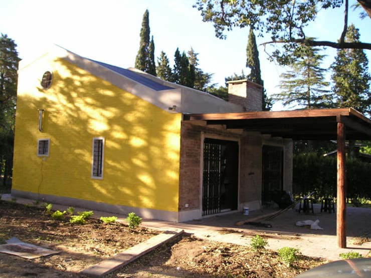 CASA QUINTA EN OLIVEROS: Casas de estilo  por Arq. Gustavo Piazza & Asociados,