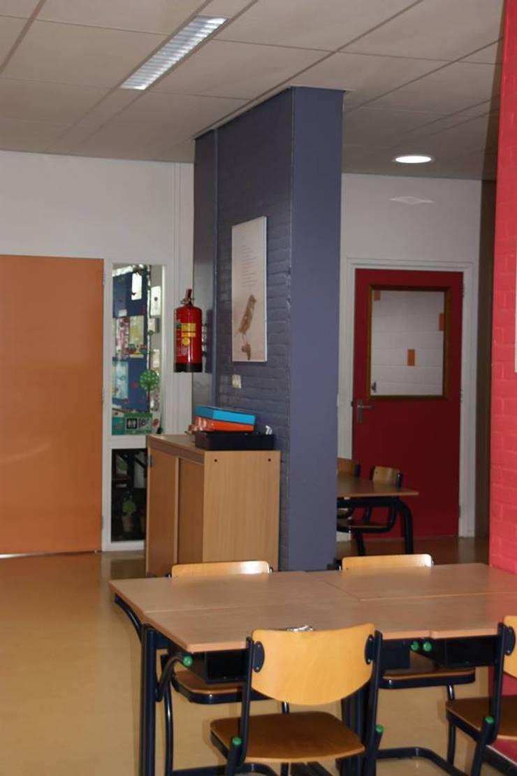 Lagere school Rehoboth Oldekerk:  Scholen door janny doornbos architektonische vormgeving, Modern