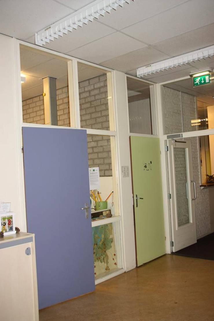 Hal:  Scholen door janny doornbos architektonische vormgeving, Modern