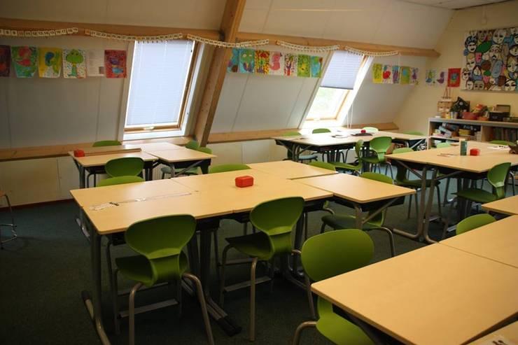 Klaslokaal:  Scholen door janny doornbos architektonische vormgeving, Modern