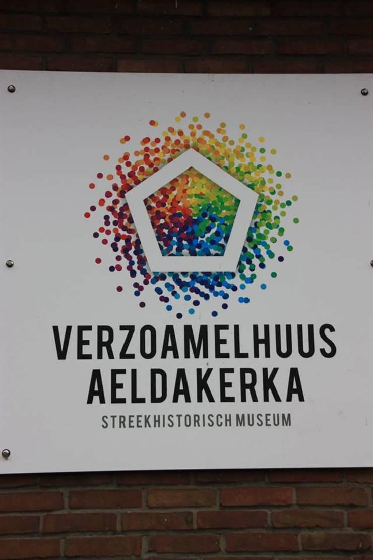 Verzoamelhuus Aeldakerka streekhistorisch museum Niekerk:  Musea door janny doornbos architektonische vormgeving, Modern