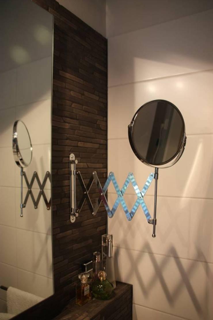Badkamer en toiletontwerp:  Badkamer door janny doornbos architektonische vormgeving, Landelijk