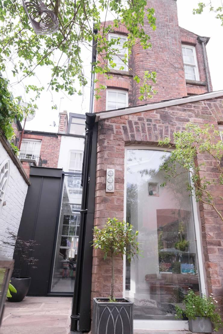 Rear side infill extension Maisons modernes par guy taylor associates Moderne