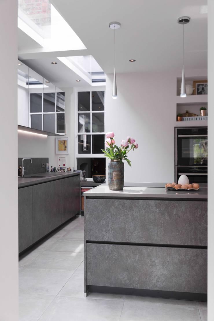 Listed Townhouse Macclesfield Cuisine moderne par guy taylor associates Moderne