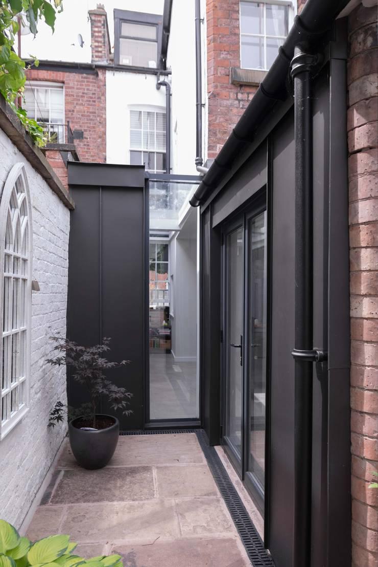 Side infill extension Maisons modernes par guy taylor associates Moderne