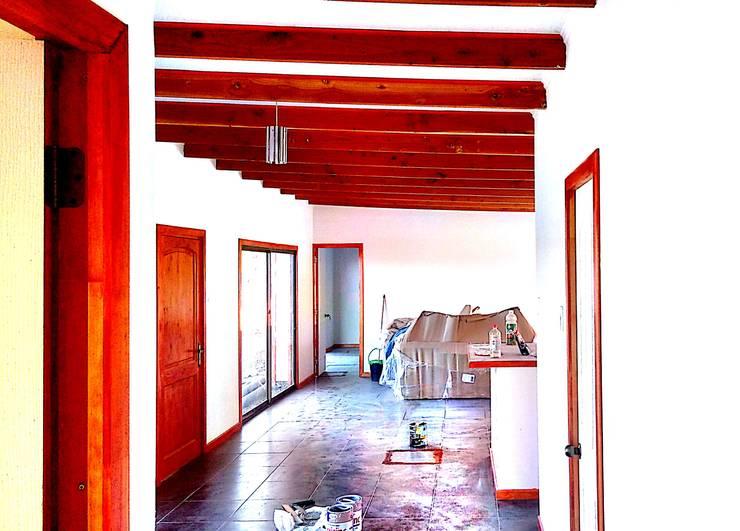 Casas Milan: Comedores de estilo  por Constructora Milan