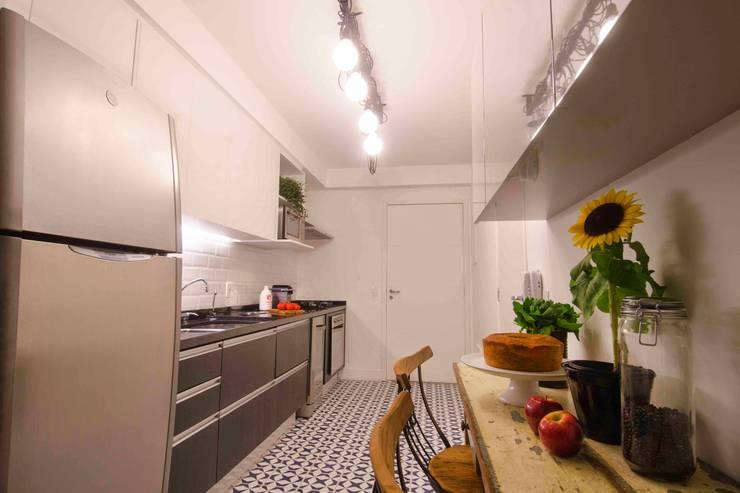 Cocinas de estilo  por FÜLEP design + arquitetura, Moderno