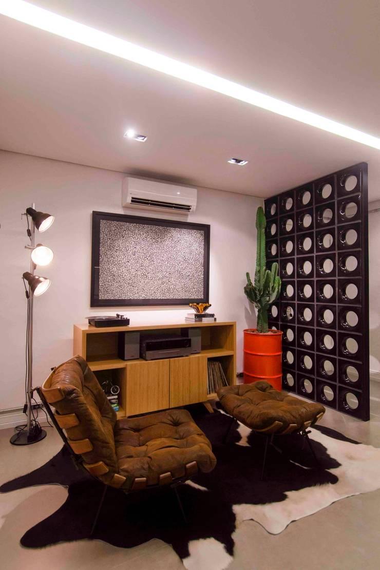 Livings de estilo  por FÜLEP design + arquitetura, Moderno