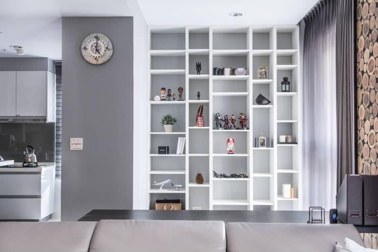 築巢:  書房/辦公室 by 知域設計