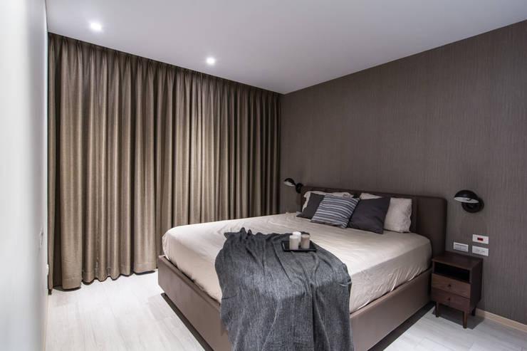 築巢:  臥室 by 知域設計