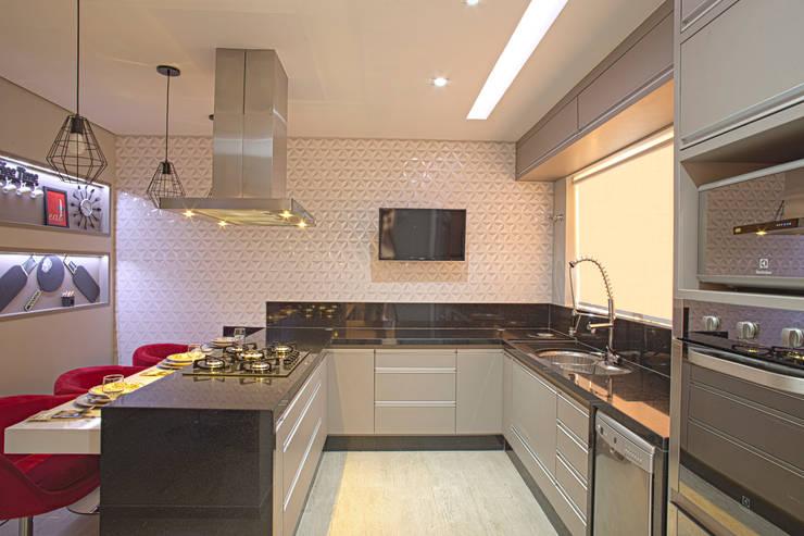 Cozinha Gourmet: Cozinhas  por Natália Sundfeld Arquitetura